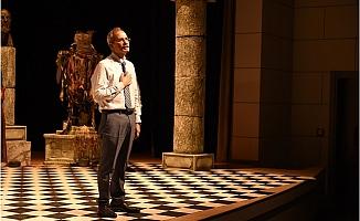 Başkan Bozdoğan, Tiyatronun Prestijli Ödülüne Layık Görüldü.