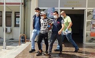 Mersin'de Gaspçıyı, Şapkası Yakalattı.