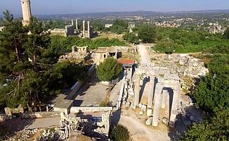 Kazıda Ortaya Çıkan Roma Yolu ve Mezarları Gezginleri Bekliyor