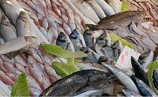 Mersin'de Av Yasağı Kalkınca Balık Bolluğu Nedeniyle Fiyatlar Düştü