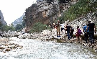 Tarsus'da Avrupa Hareketlilik Haftası Çerçevesinde Doğa Yürüyüşü