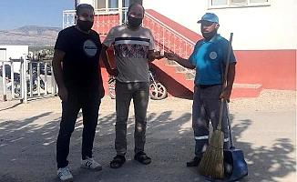 Temizlik İşçisi Bulduğu Altınları Sahibine Teslim Etti