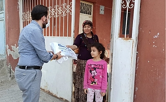 Akdeniz Belediyesi Kırtasiye Desteği İle Çocukları Sevindiriyor