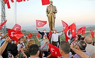 """Akdeniz Belediyesiden """"Melemeze"""" Atatürk Heykeli"""