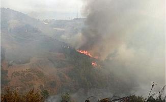 Anamur'da Yerleşim Yeri Yakınında Orman Yangını Müdahale Devam Ediyor
