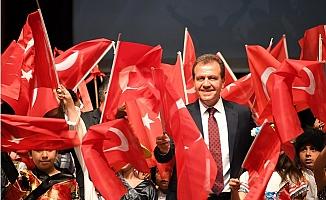 Başkan Vahap Seçer, Cumhuriyet Bayramını Kutladı