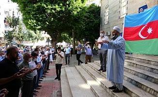 Hayatını Kaybeden Azerbaycanlılar İçin Mersin'de Gıyabi Cenaze Namazı Kılındı