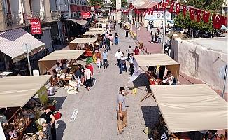Tarsus'da Açılan Yeryüzü Pazarına Yoğun İlgi