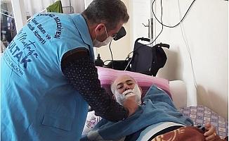 Akdeniz Belediyesi Kimsesiz ve Yaşlıları Himayesinde Tutuyor