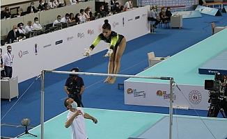 Kadınlar Artistik Cimnastik Şampiyonası'nda Büyüklerde Şampiyon Ukrayna