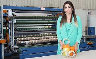Mersin'de Ürettiği Koli Bandı İle İhracat Yapıyor