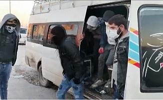 15 Kişilik Minibüse 33 Kişi Sığdırınca 10 Bin TL Ceza Yedi.