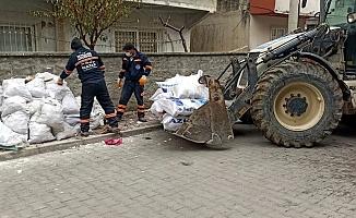 Akdeniz Belediyesi'nin Yoğun Temizlik Çalışmaları Aralıksız Sürüyor
