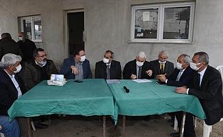 Başkan Bozdoğan, Ova Mahallelerini Gezerek Sorunları Yerinde İnceledi