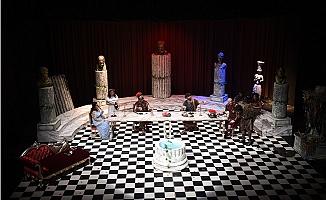 Tarsus Belediyesi Şehir Tiyatrosuna 3 Ödül Birden