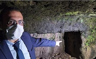 Tarsus'da Sular Çekilince 6.Yüzyıldan Kalma Kaya Mezarlar Ortaya Çıktı