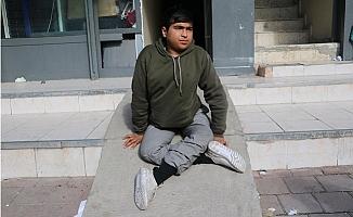 Vay Vicdansızlar Kısıtlamada Engelli Gencin Akülü Tekerlekli Sandalyesini Çaldılar