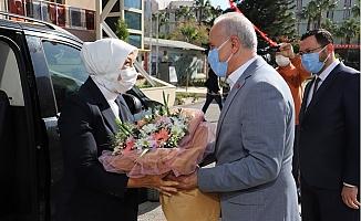AK Parti  MKYK Üyesi Öznur Çalık'dan Başkan Gültak'a Ziyaret