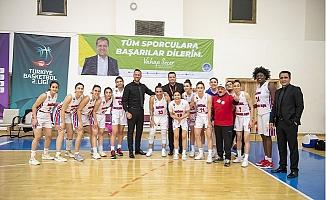 Büyükşehir Kadın Basketbol, Karşıyaka Çarşı Koleji'ni 78-71 Yendi.