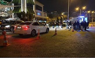 Forum AVM Üst Geçit Altında Meydana Gelen Kazada Kurye Yaralandı.