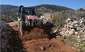 Gülnar Belediyesi Yol Yapım Çalışmalarına Aralıksız Sürdürüyor
