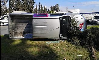 Mersin Büyükşehir Belediye Hizmet Aracı Takla Attı.