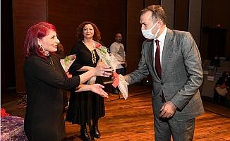 """""""Mersin'in Kadınları Tiyatroda"""" Sahnelendi"""