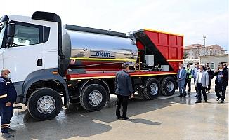 Akdeniz Belediyesi Soğuk Asfalt Aracını Bünyesine Kattı