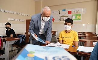 Akdenizli Öğrencilere LGS Seti Hediye Ediliyor