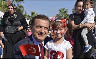 Başkanı Özyiğit, 23 Nisan Ulusal Egemenlik ve Çocuk Bayramını Kutladı.