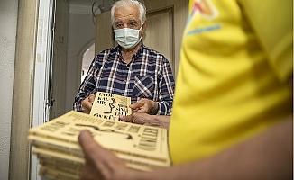 65 Yaş Üstü Vatandaşlara Büyükşehir'den Kitap Sürprizi