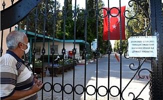 Tarsus'ta Mezarlık Ziyaretleri Kapanmaya Takıldı.