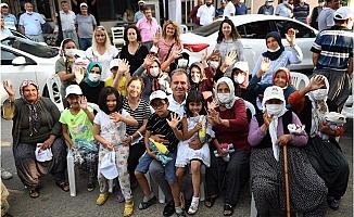 Başkan Seçer, Toroslar'da Vatandaşlar İle Bayramlaştı.