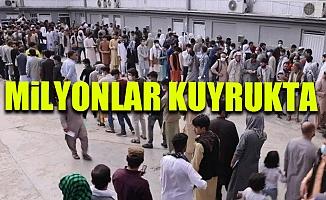 Türkiye'ye Giriş İçin Günde 8 Bin Afgan'a Pasaport Veriliyor