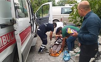 Çamlıyayla'da Üzerine İnşaat Malzemesi Düşen Vatandaş Ağır Yaralandı.