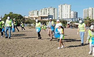 MHP Mersin'den Temizlik Hareketi