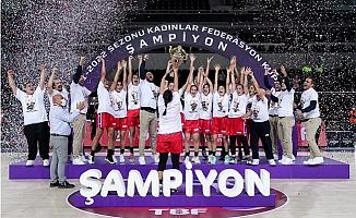 Mersin Büyükşehir Belediyesi GSK Kadın Basketbol Takımı Şampiyon