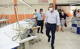 Tarsus Belediyesinin Tekstil Atölyesi Hem İstihdama Hem İhracata Katkı Sağlıyor