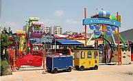 Mersin'de Lunaparklar Yeniden Hizmete Girdi.
