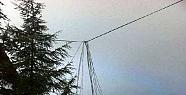 Mersin'de Kar ve Fırtına Elektrik Direklerini