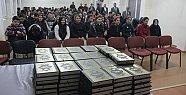 Öğrencilere Kur'an-ı Kerim Meali Dağıtıldı.