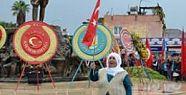 Tarsus 10 Kasım Töreninde Köylü Kadının Bayrak Eylemi