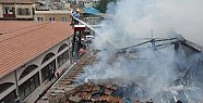 Tarsus'ta Boş Binada Yangın