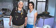 Tarsus'ta Evi Yanan Yaşlı Kadın Yardım Bekliyor