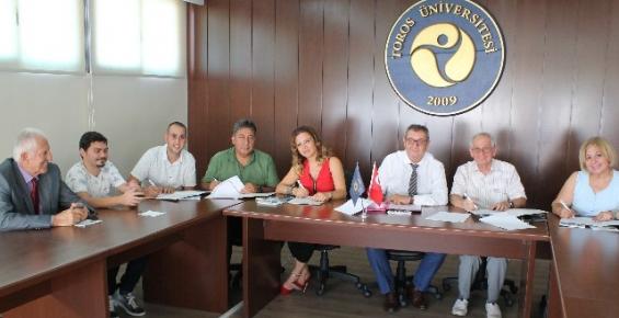 Toros Üniversitesi, Yaşlı Bakım Merkezleriyle İşbirliği Protokolü İmzaladı