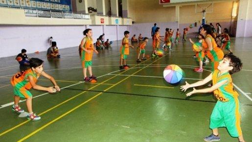 Toroslar'da Yaz Basketbol Kursları Devam Ediyor