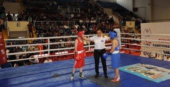 Üst Minikler Türkiye Ferdi Boks Şampiyonası Mersin'de Başladı.
