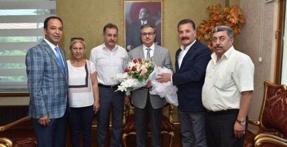 Vali Su'ya 'hayırlı Olsun' Ziyaretleri Sürüyor