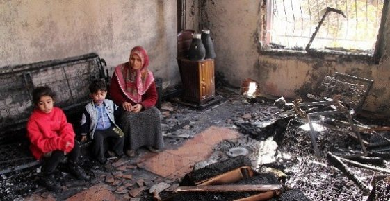 Yangından Son Anda Canlarını Kurtaran Aile Yardım Bekliyor