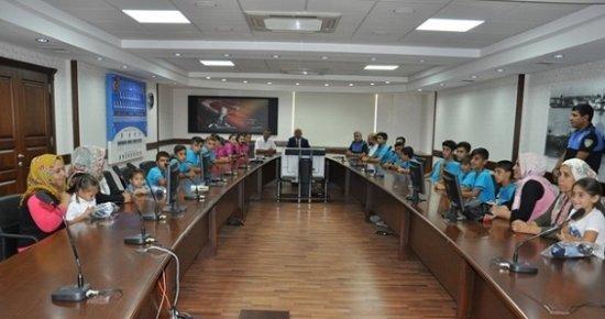 Yaz Kampına Katılan Öğrenciler, Emniyet Müdürü Şahne'ye Teşekkür Etti